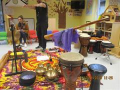Naíonra: Earth Sound Rhythms sa Naíonra